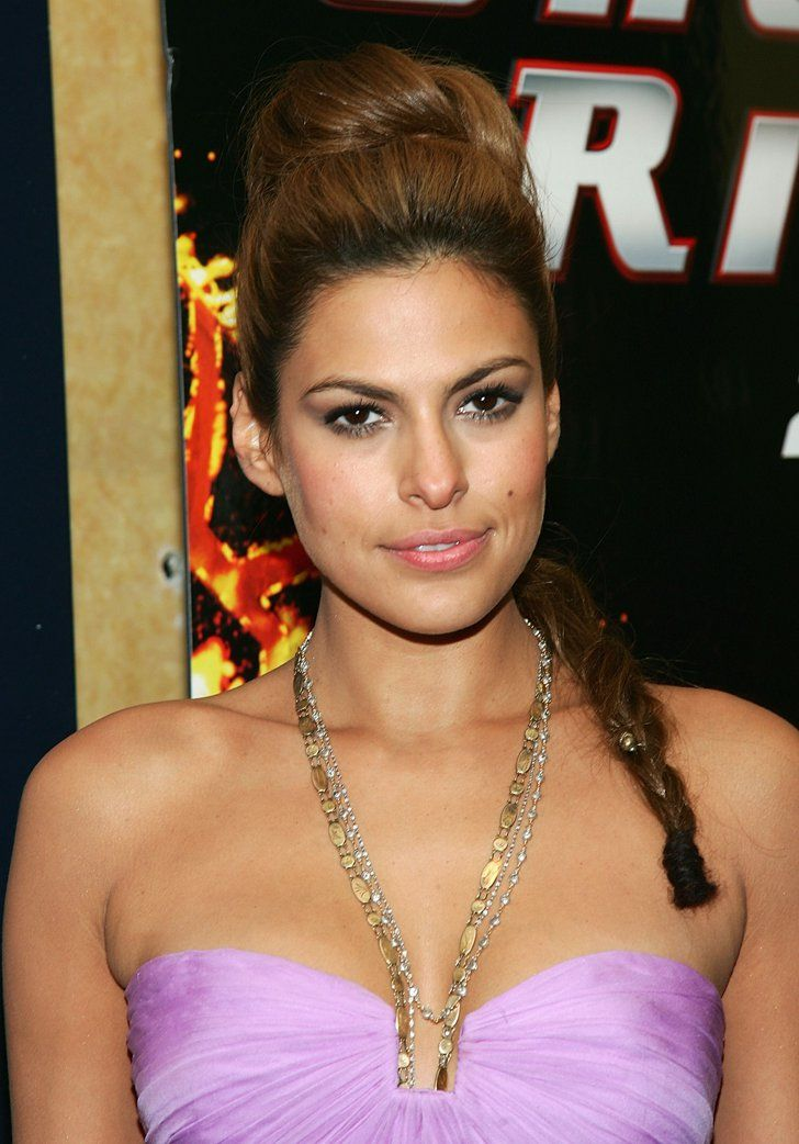 Pin for Later: Mum-to-Be Eva Mendes Never Met a Headband She Didn't Love 2007