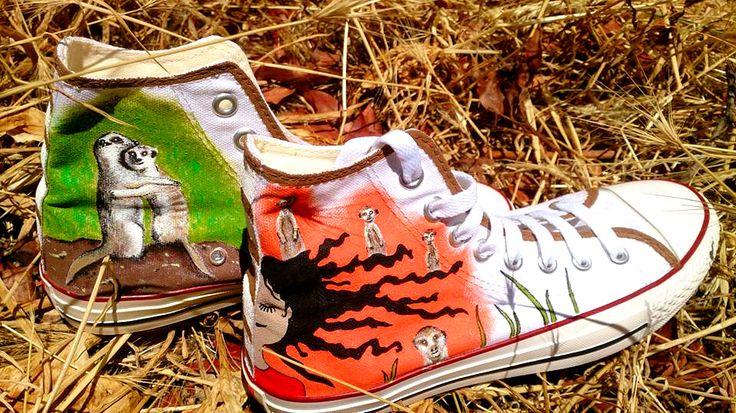 Zapatillas pintadas a mano: Las suricatas son para el verano