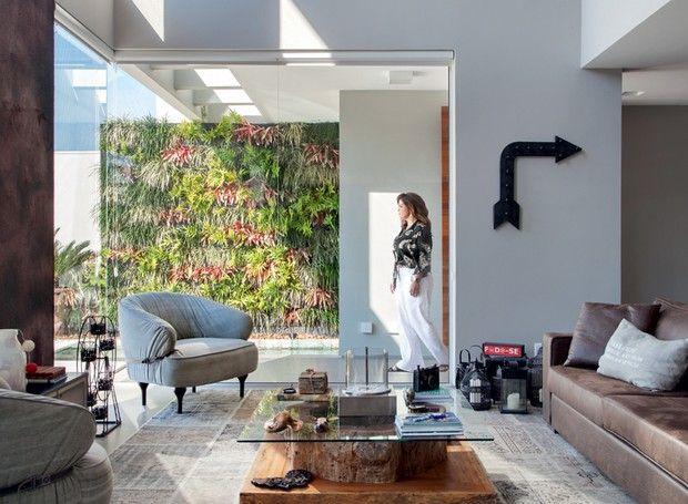 die besten 25 sofa em couro ideen auf pinterest dekor. Black Bedroom Furniture Sets. Home Design Ideas