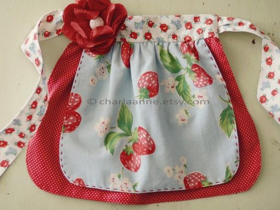 such a cute apron. @Richelle Jones -Charly needs this :)