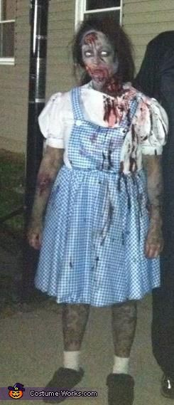 Zombie Dorothy Costume - Halloween Costume Contest via @costumeworks