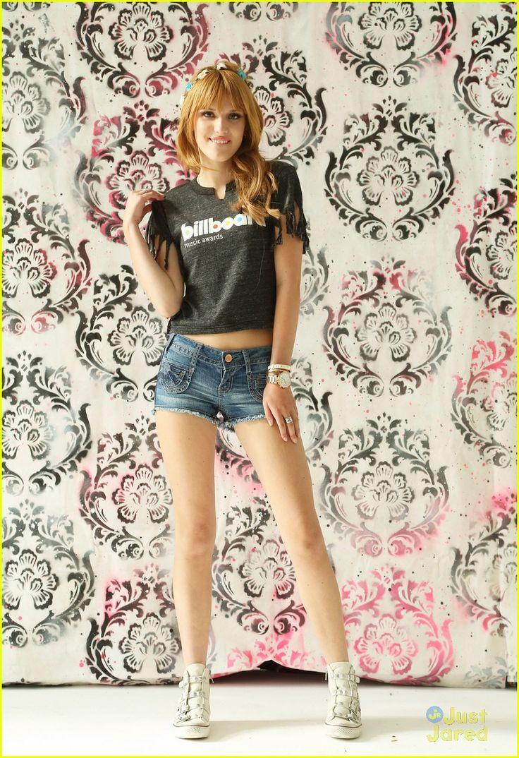 Cute 15 Year Old Girls bella thorne moms day tweet 02, bella thorne dons a cute billboard