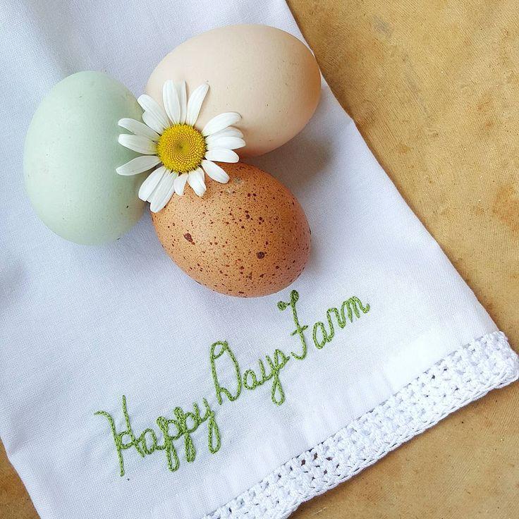 "286 Likes, 10 Comments - Penny/Happy Days Farm® (@happydaysfarm) on Instagram: ""HaPpY sUnDaY! . . . . . . #eggvignette #pocket_home #pocket_flowers"""
