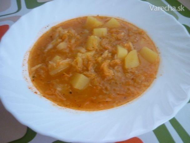 Recept na túto super ľahkú a chutnú polievku som odkukala na minibazáre....dokonca chutí aj deťom, hoci inak sa zelenine vyhýbajú...:)