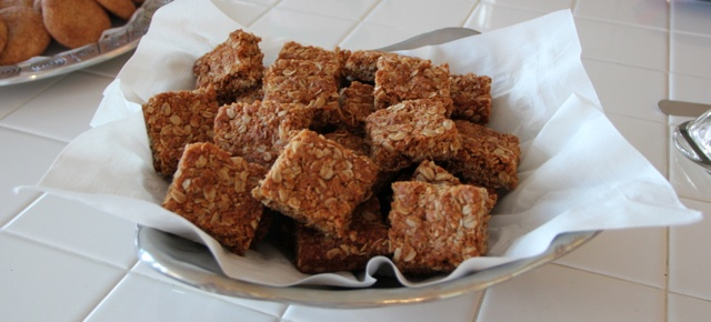 Crunchies – Traditional South African Oatmeal Cookie Bars | OrnaBakes
