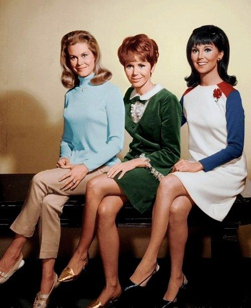 #PopCulture Flashback! Elizabeth Montgomery (Bewitched), Judy Carne (Rowan & Martin's Laugh-In) & Marlo Thomas (That Girl) - 1966 Publicity Photo