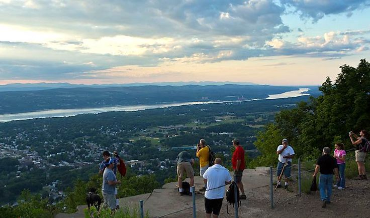 Mount Beacon Park - Beacon Mountain is the highest peak in the Hudson Highlands.