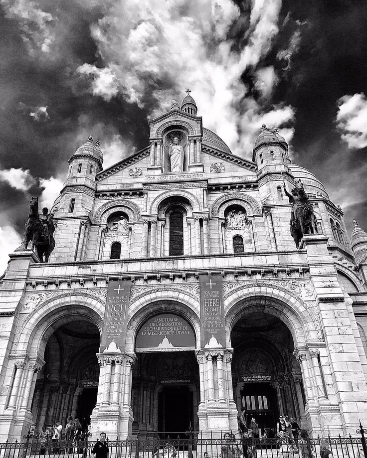 Always look up, Paris' Architecture. #church#Paris#photo#photooftheday#blessed#blackandwhite#architecture#streetstyle#exterior#designer#architettura#vintage#archilovers#architectural#photography#photoshoot#photographer#photographylovers#architect#inspiration#architecturephotography#like4like#art#awesome#life#pray# http://tipsrazzi.com/ipost/1516203190809284544/?code=BUKosTTgE_A