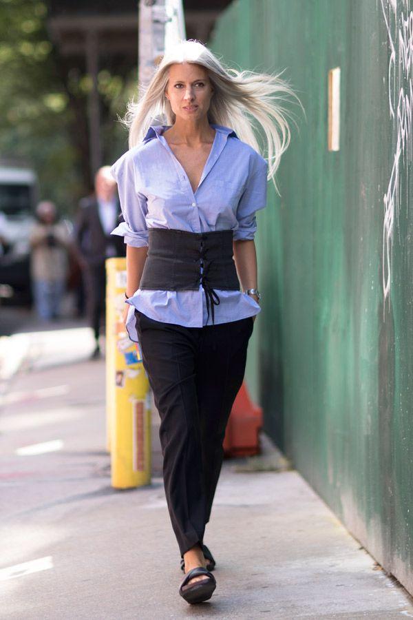 サラ・ハリスと言えば、パンツスタイルがお決まり! コーデの参考にしたい最旬スナップ集。