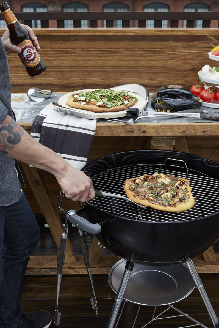 Designed for easily heating and presenting pizza and baked goods, @nambe's baking stone adds a delicious touch to any meal.