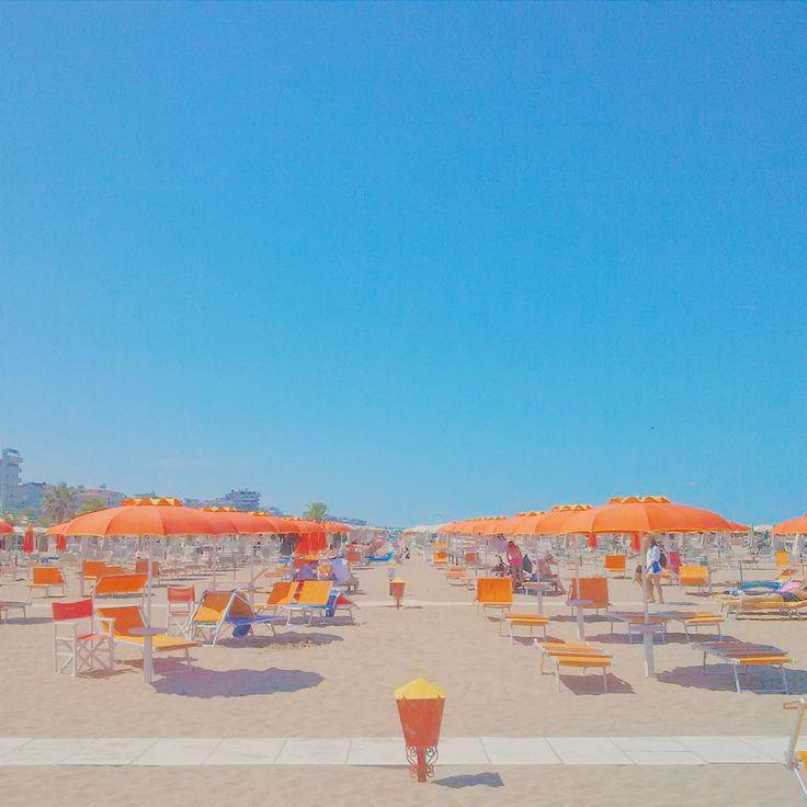 Orange perspective | Rimini - Instagram by lachiara_bi