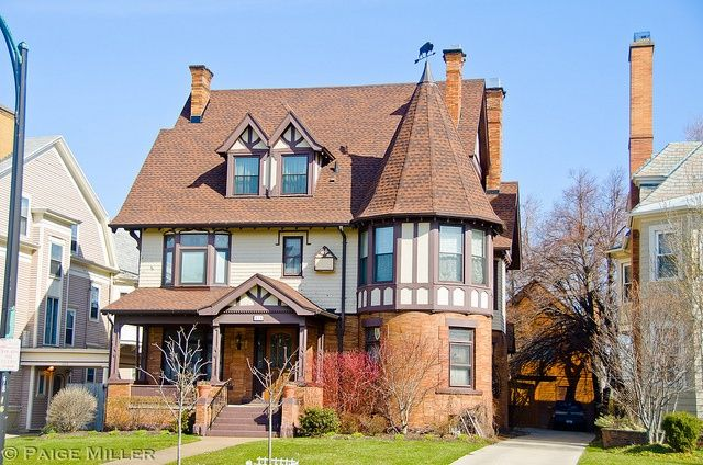 28 Best Victorian Queen Anne Revival Homes Images On