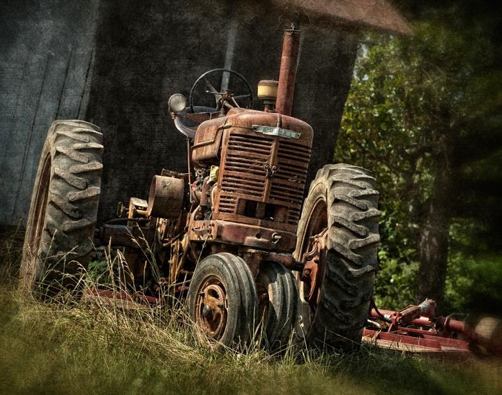 129 best images about old farm equipment on pinterest for International harvester decor