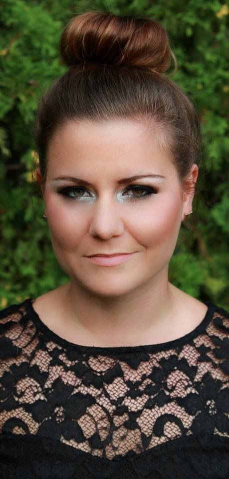 Nice smokey eye for an evening out! Maybe a bachelorette!! Perfect for a boudoir photo session!