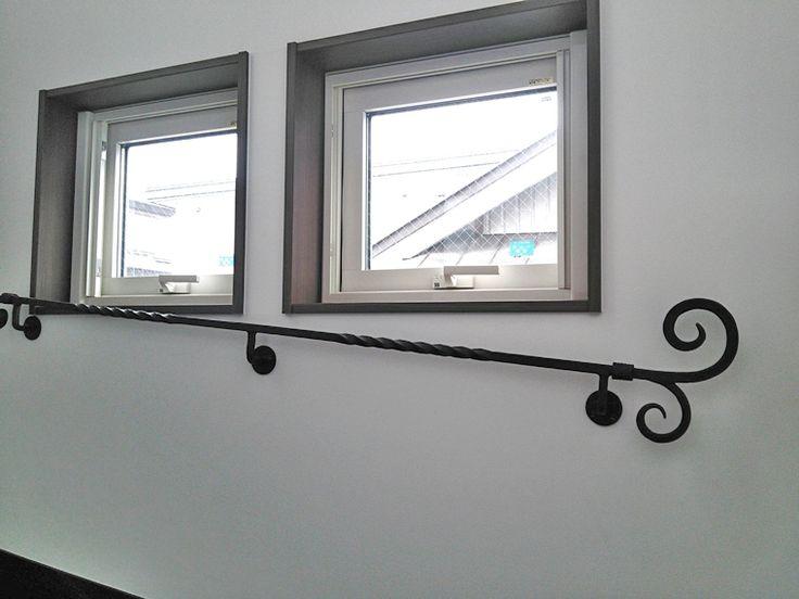 ロートアイアン壁付階段手摺   アイアン工房