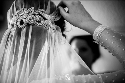 Un tocado para cada novia | Con tacones y de boda
