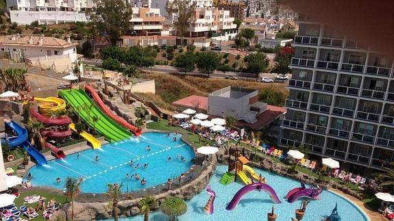 43 mejores im genes sobre parque acuaticos en pinterest for Hoteles en algeciras con piscina