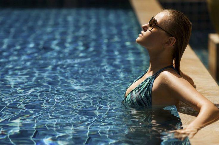 É possível praticar natação sem detonar o cabelo e ainda mantê-lo lindo? Dá sim, mas você precisa redobrar os cuidados. Confira nossas dicas para manter os fios brilhantes e saudáveis até mesmo na piscina