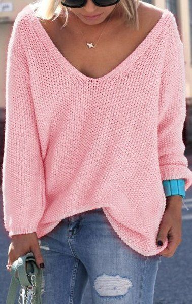 This pink sweater tho