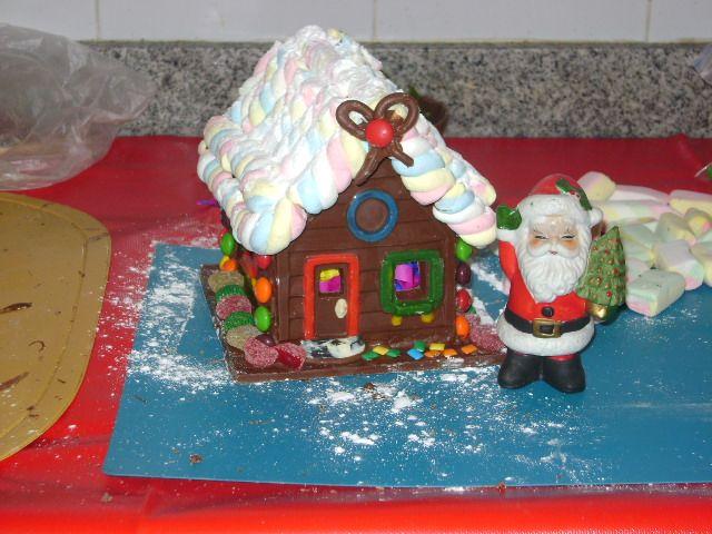 En navidad se hacen casitas de chocolate para la venta - Casitas de navidad ...
