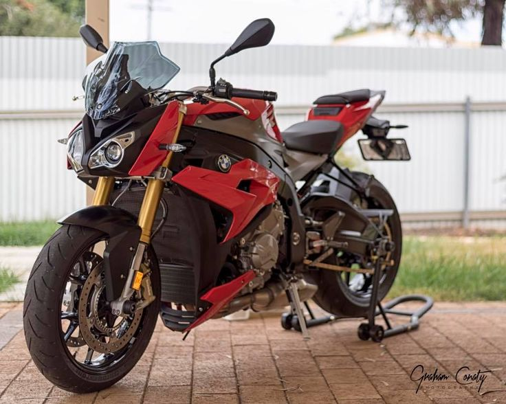 From Graham: Evotech Performance radiator and oil cooler guards fitted to the #BMW #S1000R! #motorcycle #bikersofinstagram