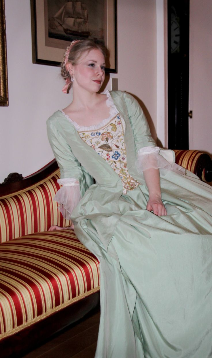Blog about constructing a robe a la francaise. Lovely step by step including lining, draping, making cord, dying, embroidering, and much more!