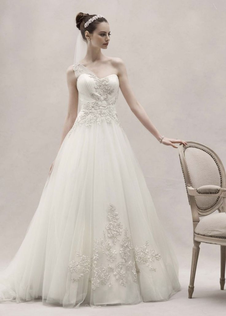 Cool Great David's Bridal Oleg Cassini One Shoulder Tulle Ball Gown Lace Appliques Ivory 2017/2018 Check more at http://shop24.gq/fashion/great-davids-bridal-oleg-cassini-one-shoulder-tulle-ball-gown-lace-appliques-ivory-20172018/