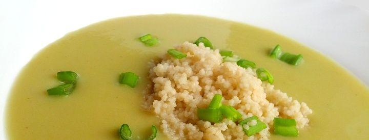 Pórková polévka s červenou čočkou