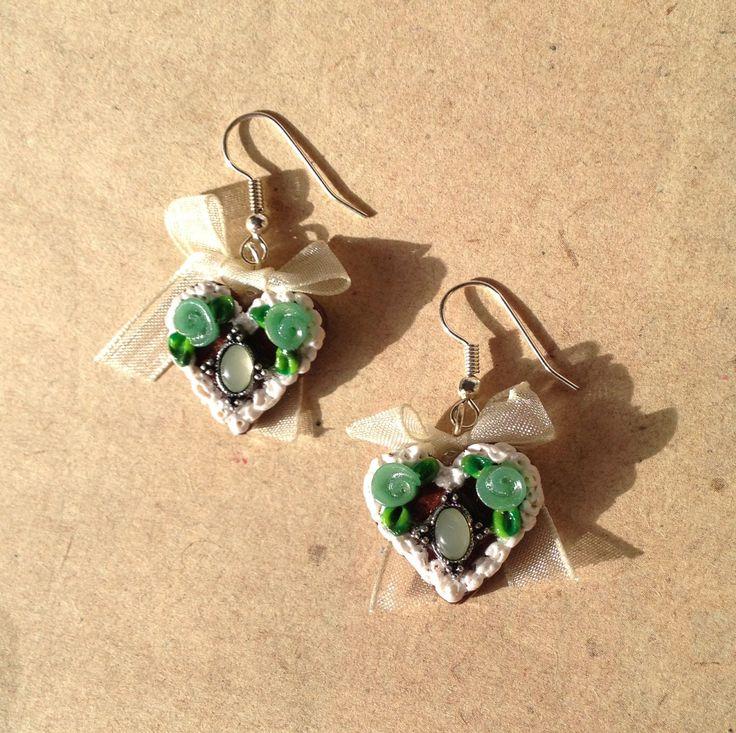 Ohrringe Herz, Lebkuchenherz jadegrün, grün mit Schleife von PfullingerEngele auf Etsy