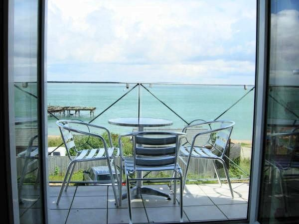 Holiday House in Yarmouth, Isle of Wight with beach/lake nearby and internet access