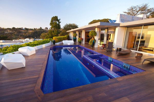 Unique Swimming Pool from Luxury Outdoor House with Swimming Pool in Beverly Hills LA1 600x399 Luxury Outdoor House with Swimming Pool in Beverly Hills, LA
