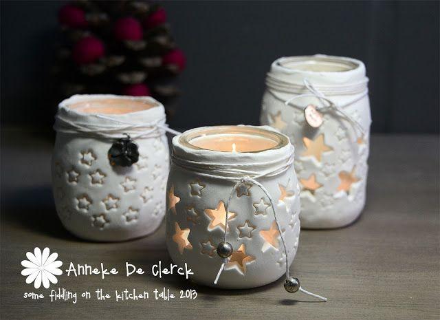 glazen potjes bewerkt met lichtgewicht klei.