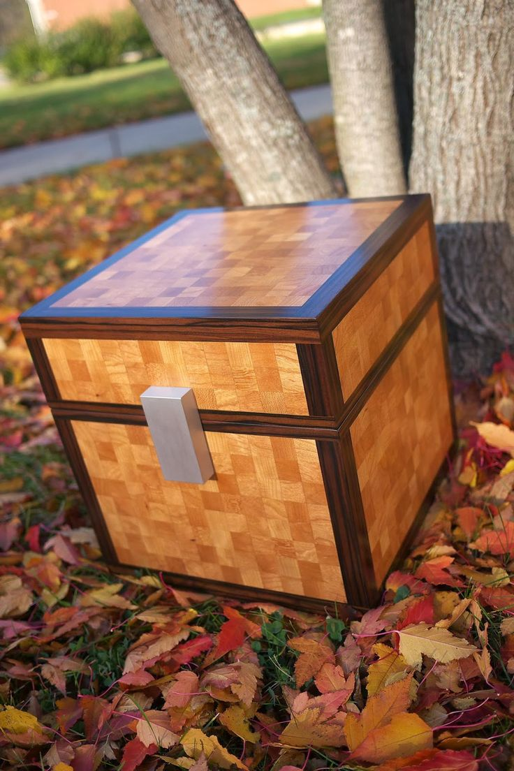real life minecraft chest would have to have this for the boys rooms