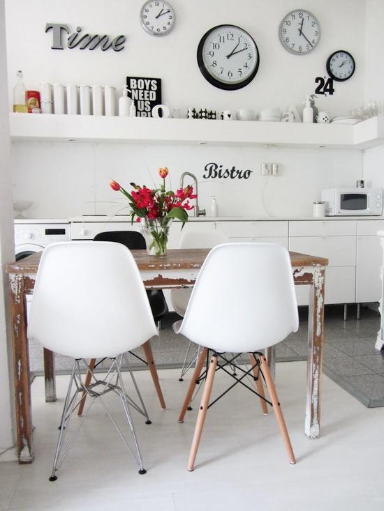 Fresh kitchen dining. Monochrome chic.