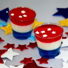 The Anthem Jello Shot and more awesome jello shot ideas for football parties http://drink.betterrecipes.com/football-jello-shots.html#