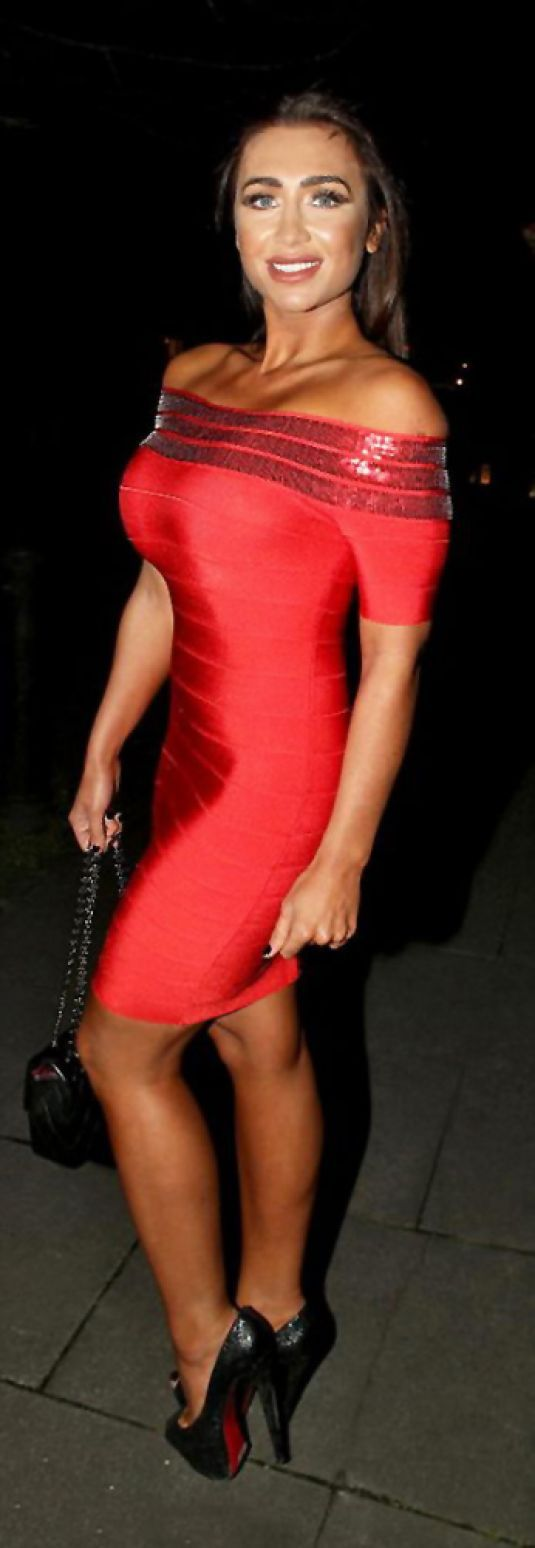 Lauren Goodger wore bright red bodycon dress as she hit London town http://celebs-life.com/lauren-goodger-wore-bright-red-bodycon-dress-hit-london-town/  #laurengoodger