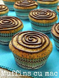 Muffins cu mac si scortisoara