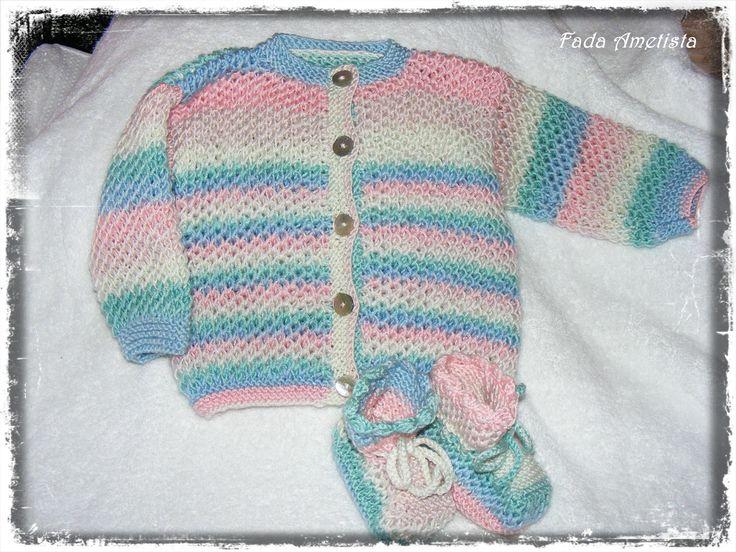 Casaquinho e botinhas - Feito em lã suave, apropriado para bebé. Medida: até 1ano https://www.facebook.com/FadaAmetista/photos/a.1661150557535744.1073741856.1589593488024785/1661159857534814/?type=3&theater