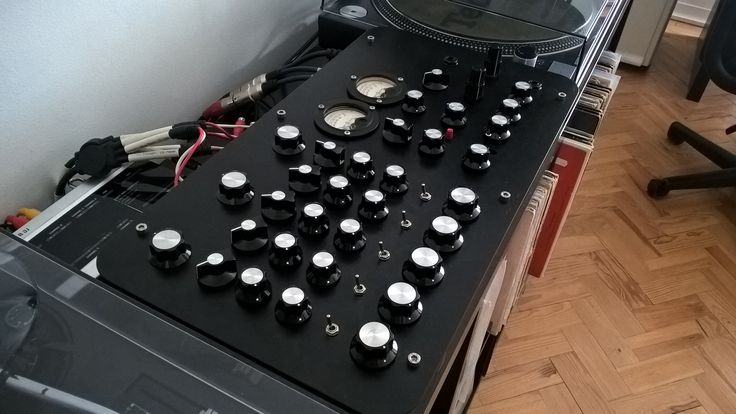 My rodec sm300 converted to a rotary mixer. Did this conversion myself in summer 2015 after realizing that this would be the perfect mixer for something I had in mind for a few years, a rotary mixer project. Guess I was the first guy to come up with this idea on this specific mixer, never saw one before and neither did Rodec engineers that were awesome with me, flattering the job. A year or so later I decided to sell it to a buddy of mine when i was thinking about doing the isolator on it.