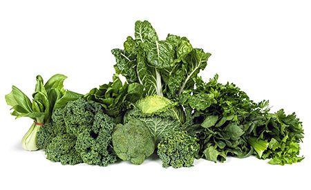 (Zentrum der Gesundheit) - Die wenigsten Menschen wissen wie wichtig Vitamin K für ihren Körper ist. Vitamin K kontrolliert nicht nur die Blutgerinnung, es aktiviert auch die Knochenbildung und schützt sogar vor Krebs. Vitamin K hindert das Calcium im Blut daran, sich als tödliche Plaque in den Arterien festzusetzen und hält so unsere Gefässe sauber. Eine ausreichende Aufnahme mit der richtigen Nahrung kann einem Vitamin K-Mangel einfach und natürlich vorbeugen. Schützen auch Sie Ihre…
