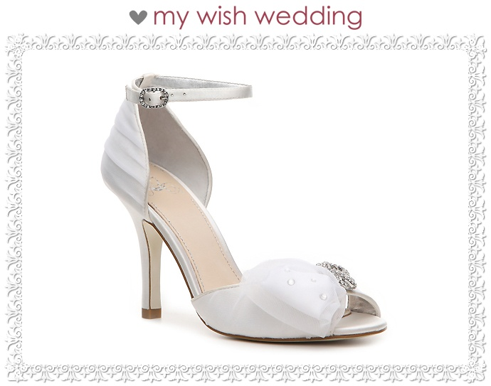 #wedding, #casamento, #noiva, #bride, #weddingday, #noivado, #shoes, #sapato, #design, #engagement