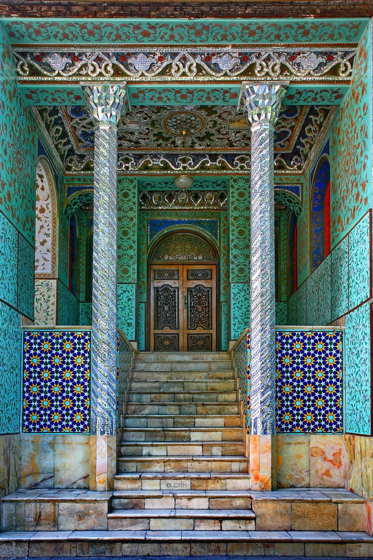 The oldest of the historic monuments in Tehran, a world heritage site, the Golestan Palace (also Gulistan Palace) (The Rose Garden Palace) belongs to a group of royal buildings that were once enclosed within the mud-thatched walls of Tehran's Historic Arg (citadel). (V)