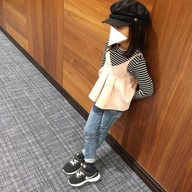 * 4月から通う小学校は制服だから、せめて靴と靴下だけは可愛いのを❣️と色々探したけど、、 白色限定だから、めっちゃ限られてくる…😭 結果、とりあえず靴はNBに落ち着きました👟✨ タンジュンの白があったら即買うんだけどなー😫💕 因みに、私が小学生の時はみんな#ジャガー 👟だったよ😂 * オシャレで履きやすい白のスニーカー情報あったら、いつでもお待ちしてます🙏🏻💓 * * #マリンキャップ が欲しくて、プティで買って値札がついたままかぶって帰りました☝︎😂💕 * * #uniqlo#uniqlokids#branches#breeze#nike#petitmain#ユニクロ#ユニクロキッズ#ブランシェス#ブリーズ#ナイキ#タンジュン#プティマイン