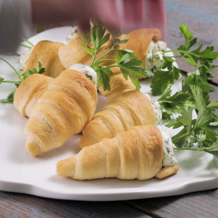 Easter just got more delicious with these Stuffed Crescent Roll Carrots. These crescents are filled with a flavorful herbed cream cheese for the perfect springtime side dish. All of your guests will be coming back for seconds!