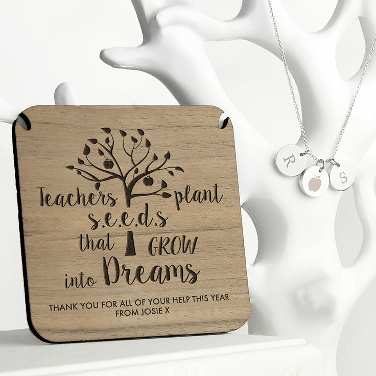 Personalised Teacher's Dreams Necklace​​​​​​​ A great gift to say thank you to your child'd favourite teacher A wonderful gift for a teacher who means the world to you! Gold plated or rose gold plated Personalise with two initials Personalise the walnut wood backing with a message up to 40 characters Choose from either gold or rose gold