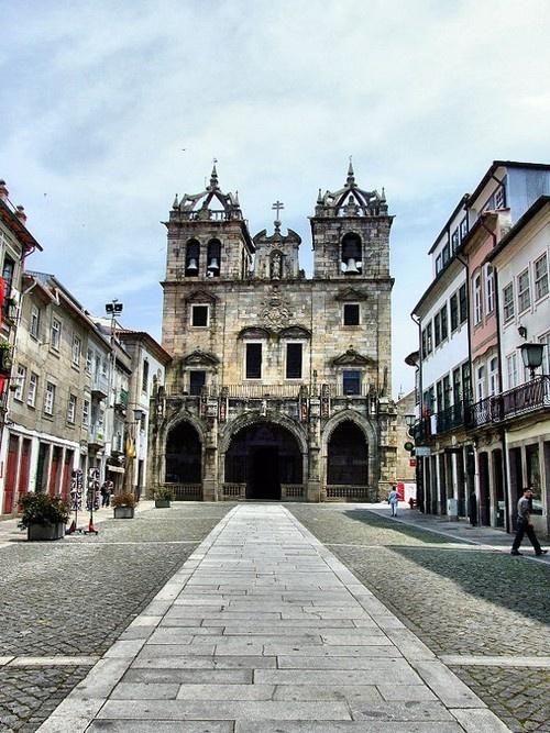 ourtimemakebetter:    O começo - Sé de Braga