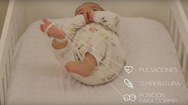 Invento argentino: cómo es el baby call fisiológico para disminuir los casos de muerte en recién nacidos. Un grupo de ingenieros argentinos creó un dispositivo para monitorear los signos vitales del bebé, y así poder salvarles la vida ante cualquier eventualidad.   VER MAS