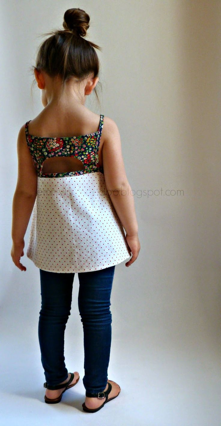 Hello, everyone!     SO EXCITED to let you know that my newest pattern, the Shandiin Tank & Tunic, is officially released!     The Shandi...