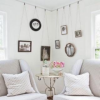 Photo walls: Living Rooms, Decor Ideas, Hanging Pictures, Photo Display, Hanging Photo, Pictures Railings, House, Pictures Frames, Hanging Frames