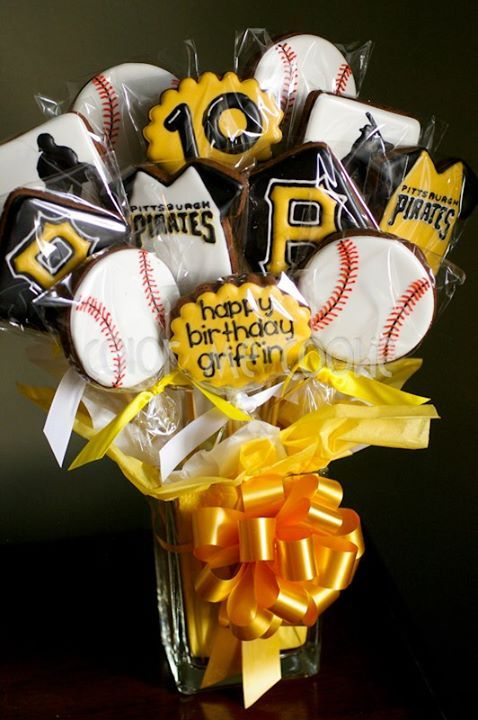 Pittsburgh Pirates Baseball (Decorated Cookies)